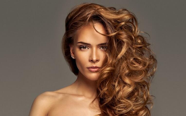 esmer kadınlara yakışan saç rengi