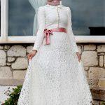 belden fiyonklu beyaz elbise modelleri