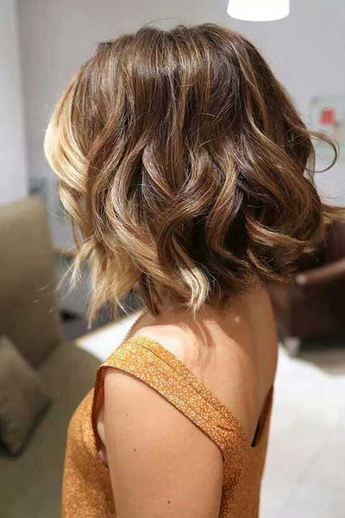 ışıltılı dalgalı kısa saç