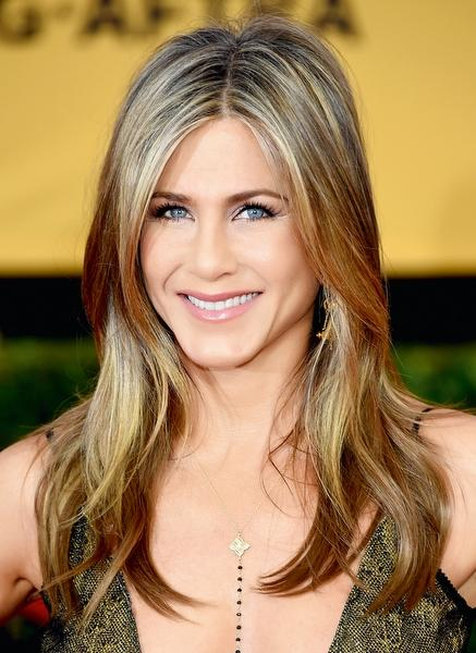 jennifer aniston hair style