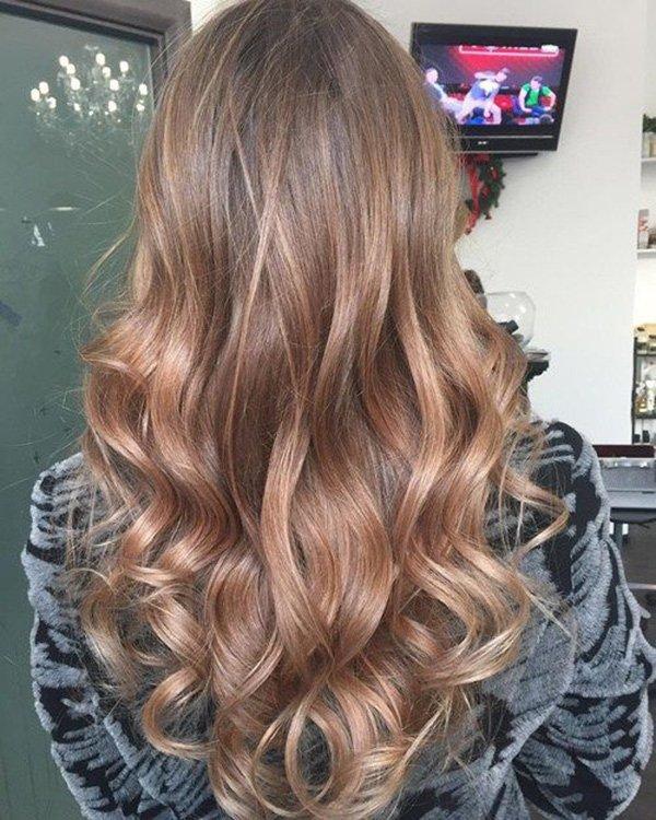 v kesim dalgalı saç modelleri