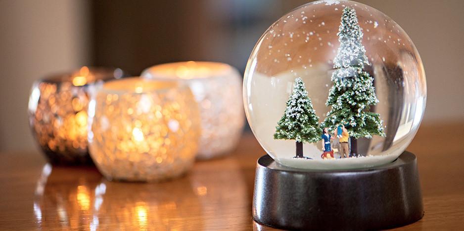 207b496ad3041 yılbaşı hediye önerileri kar küresi   Her Güne Bir Yudum Bilgi