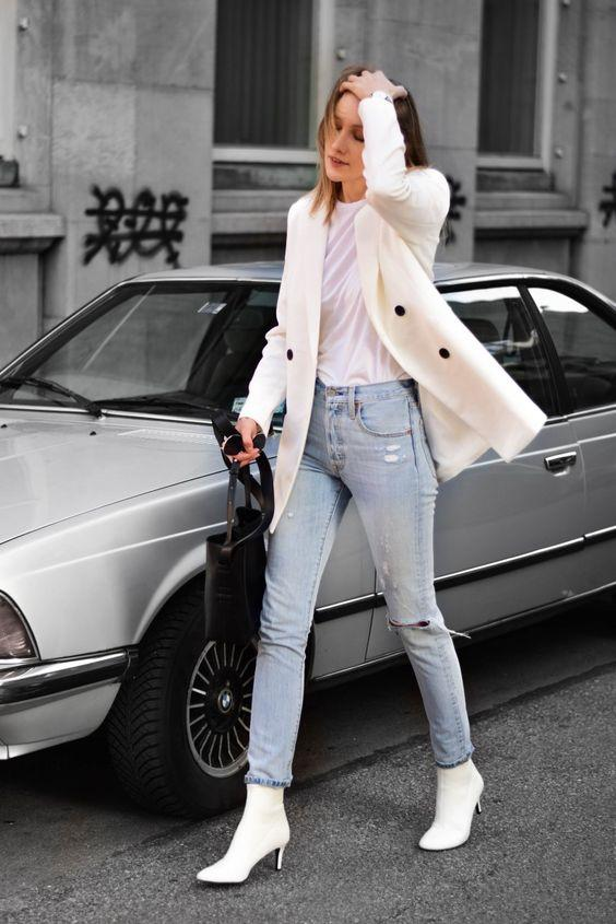 blazer ceket beyaz bot kombini