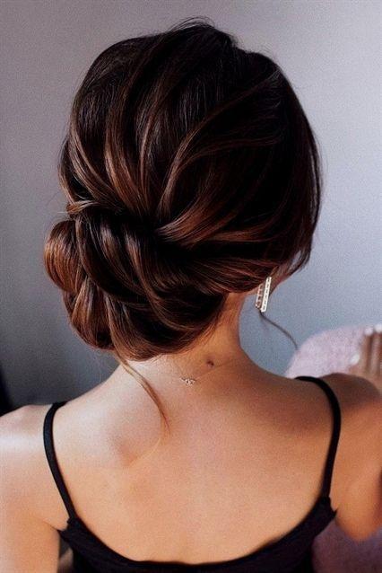 bombeli topuz saç modelleri 2019