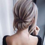 kısa saçlı kadınlar için sade topuz