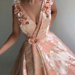 çiçekli abiye modeli 2019
