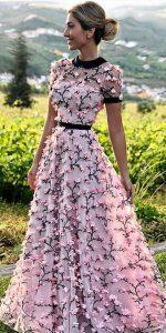 çiçekli elbise modelleri 2019