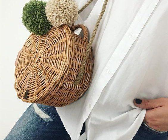 ponponlu yuvarlak hasır çanta