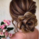 çiçek topuz saç modelleri