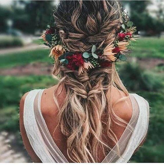 Çiçekli Düğün Saçı Modelleri