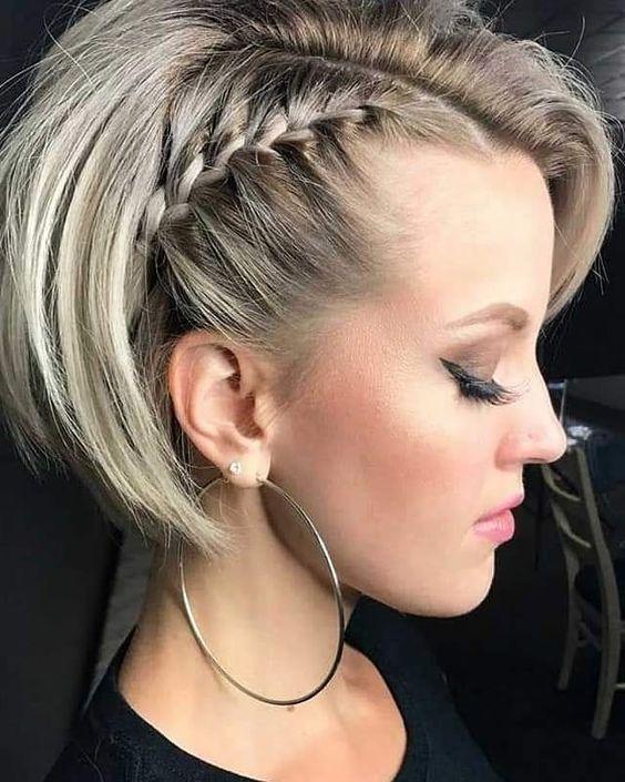 minik örgülü saç modelleri
