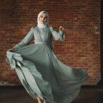tesettür mavi şık elbise modeli
