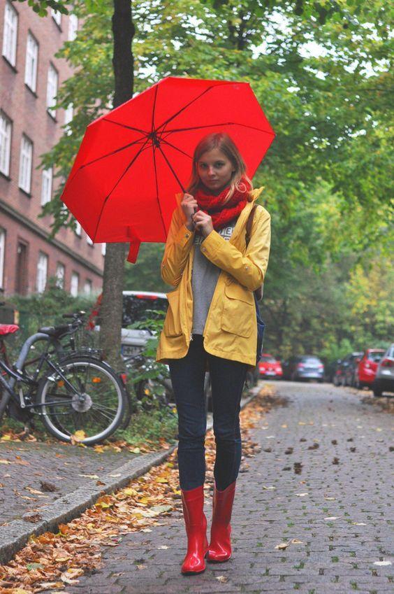 şemsiye yağmur botu kombinleri