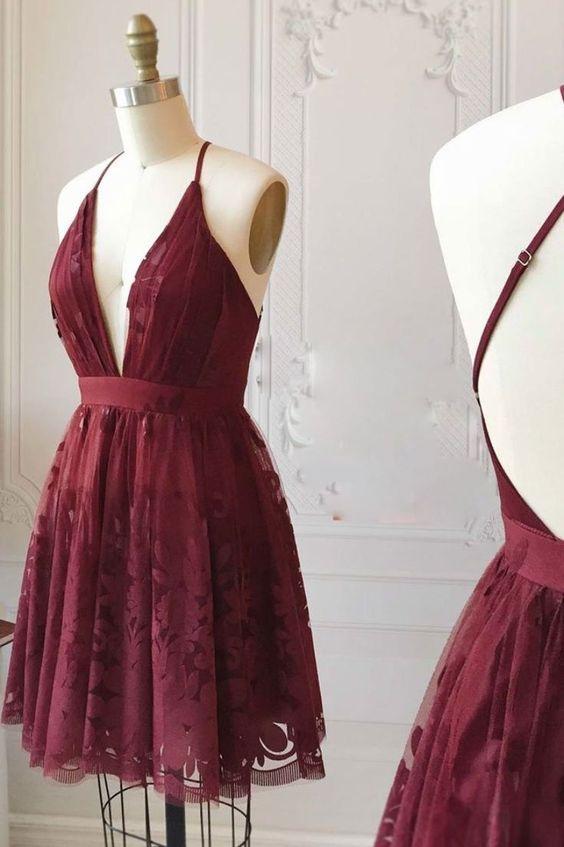 dekolteli elbise modeli
