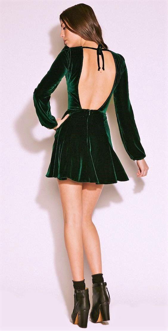 dekolteli kadife elbise modeli