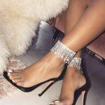 şeffaf bantlı topuklu ayakkabı
