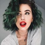 dalgalı yeşil saç renkleri