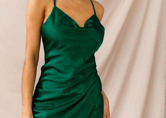 Farklı Tarzların Bütünü İp Askılı Elbise Modelleri