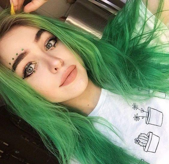 yeşil saç renkleri