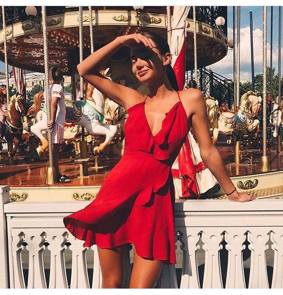 fırfırlı kırmızı elbise modeli