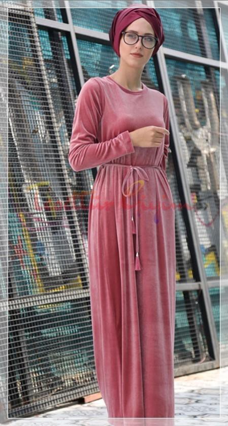 şık pembe tesettür elbise modeli