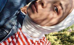 Beyaz Tenli Kadınlara Yakışan Şal Renkleri