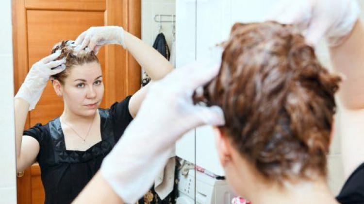 evde saç boyası yapmak