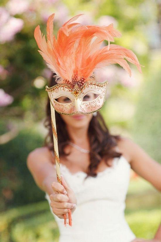 karnaval tadında düğün