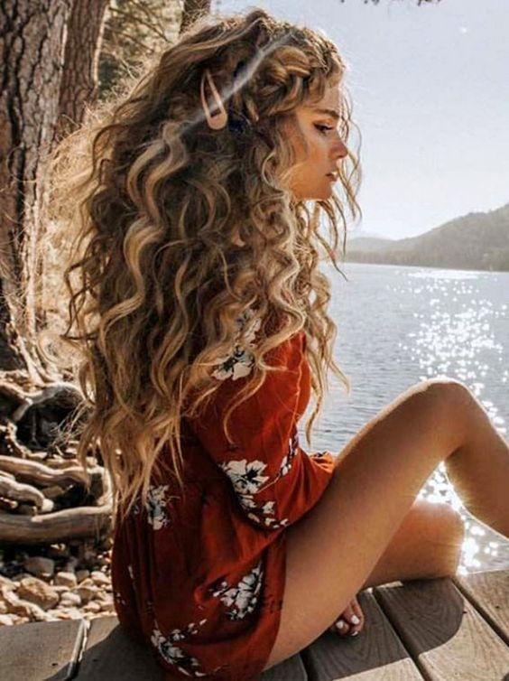 salaş kıvırcık saç modeli