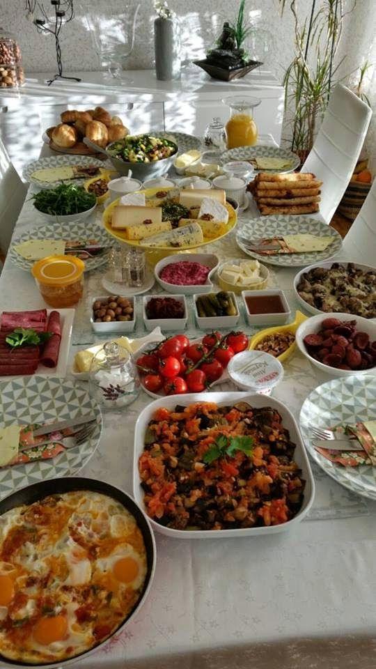 kahvaltı sofrası hazırlamak