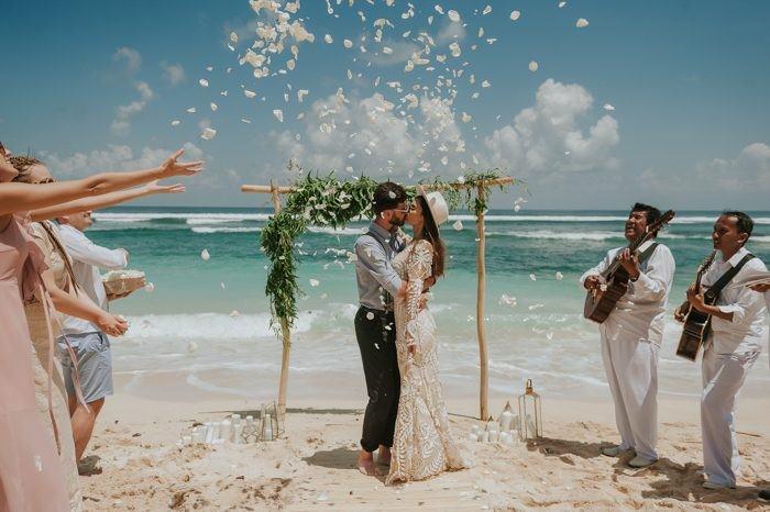 sade kumsal düğünü
