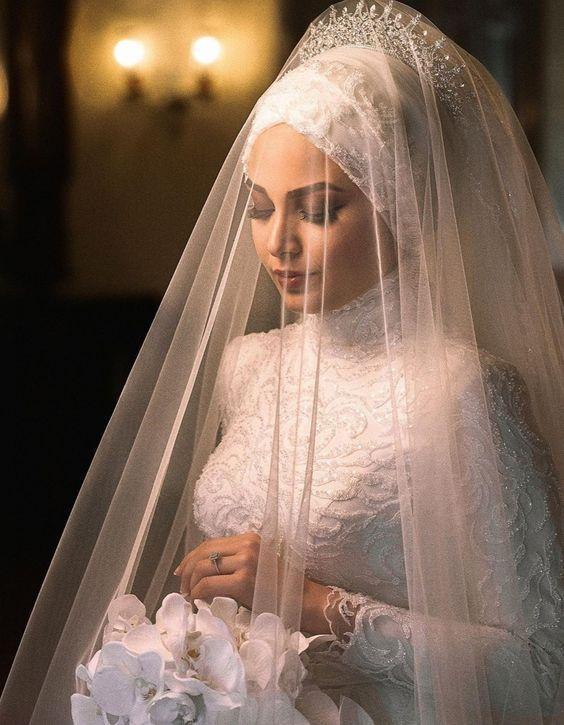 tesettürlü kadınlar için düğün makyajı önerileri