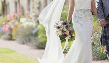 Yaz Düğünlerinde Nasıl Kombinler Yapılabilir?