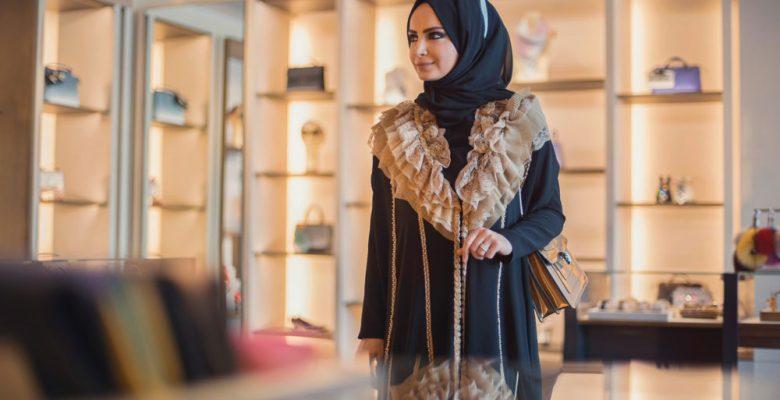 Tarzlarıyla Dikkatleri Kendilerine Çeken Tesettürlü Moda Bloggerları