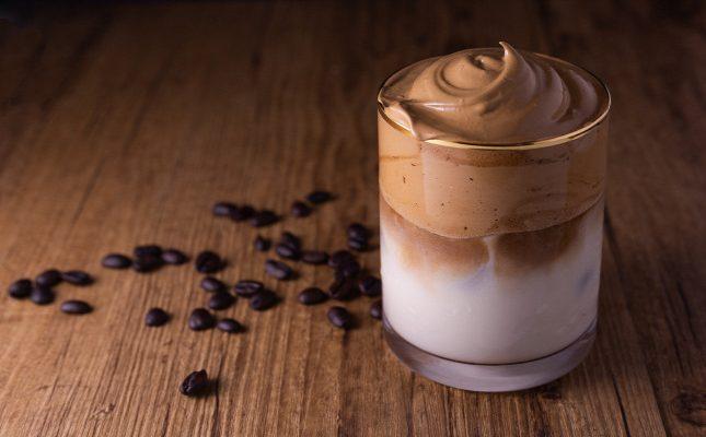 Dalgona Kahve Nedir? Dalgona Kahvesi Nasıl Yapılır?