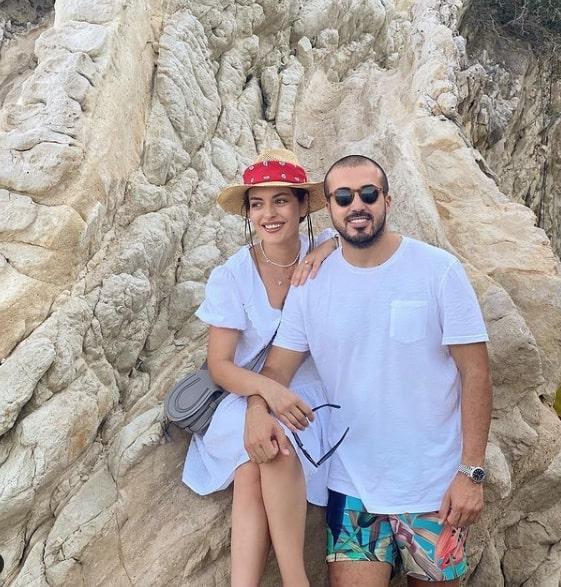 Ezgi Mola ve Mustafa Aksakallı