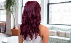 Patlıcan Moru Saç Rengi Hangi Tene Yakışır?