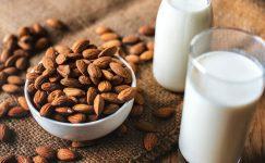 Badem Sütü Nasıl Yapılır? Nerelerde Kullanılır?