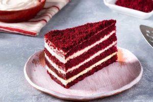 Red Velvet Tatlı (Kırmızı Kadife Pasta)