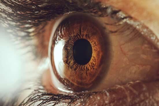 göz tansiyonu glokom nedir
