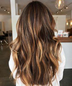 Genç gösteren saç renkleri